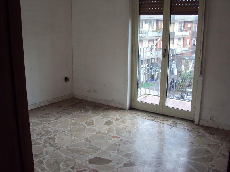 Catania - zona V.le Medaglie D'Oro - vendesi appartamento con terrazzo
