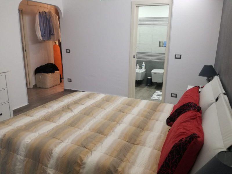 Acitrezza - vendesi appartamento in piccolo condonimio