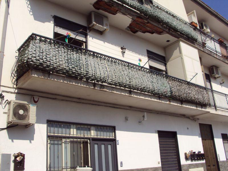 Misterbianco - Lineri vendesi appartamento di tre vani più accessori.