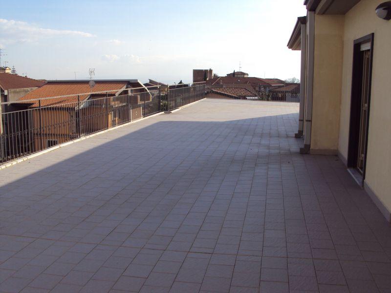 Camporotondo - via Etnea - vendesi Attico con terrazzo e posto auto
