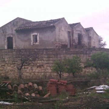 Valutazioni case e appartamenti catania for Bivani arredato catania